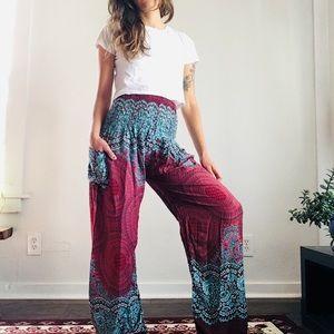 Pants - Soft harem pants in magenta/teal print